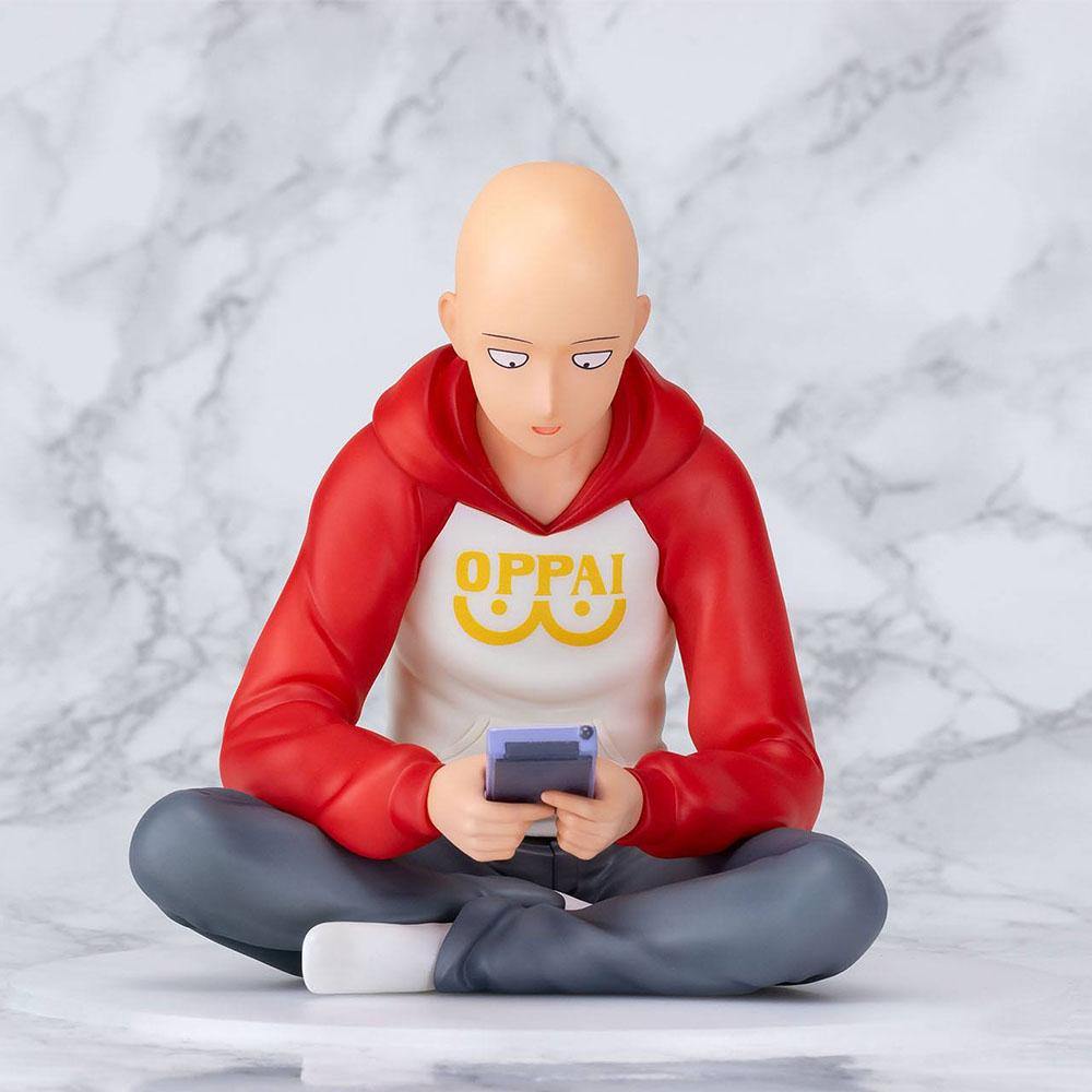 Figurine Saitama gameboy 3